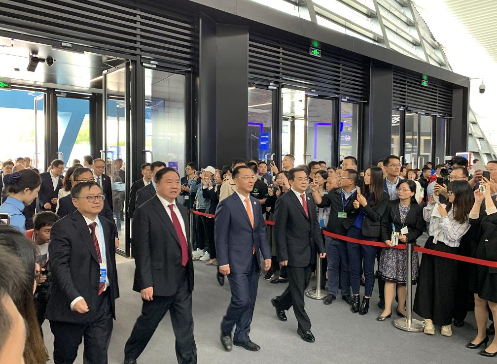 浙江省人民政府副省長等領導一行出席第六屆世界互聯網大會互聯網之光博覽會開幕式